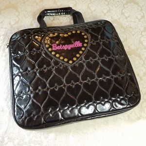 Betseyville Quilted Laptop Bag